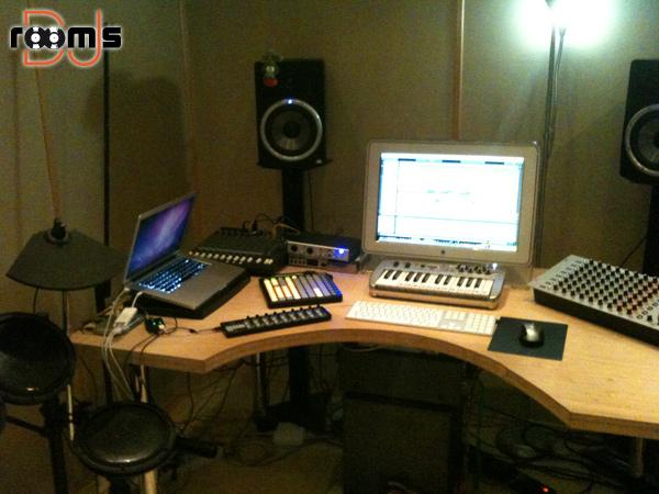 Chris Wood Studio 02