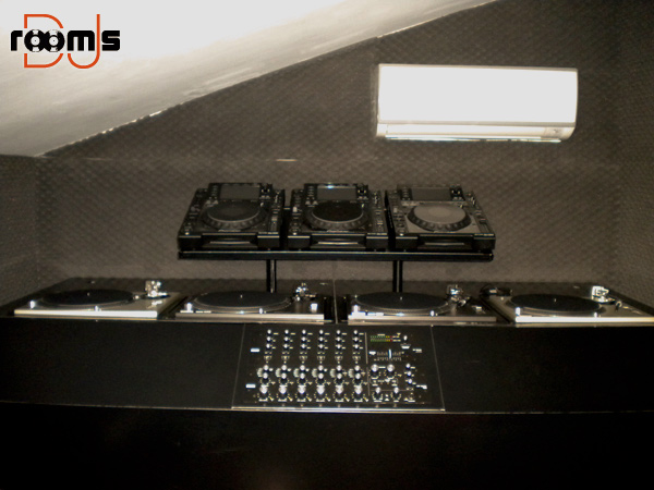 DJ Triola 03
