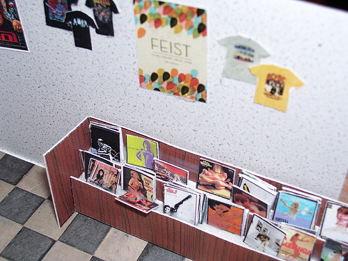 Little Tiny Record Store 02