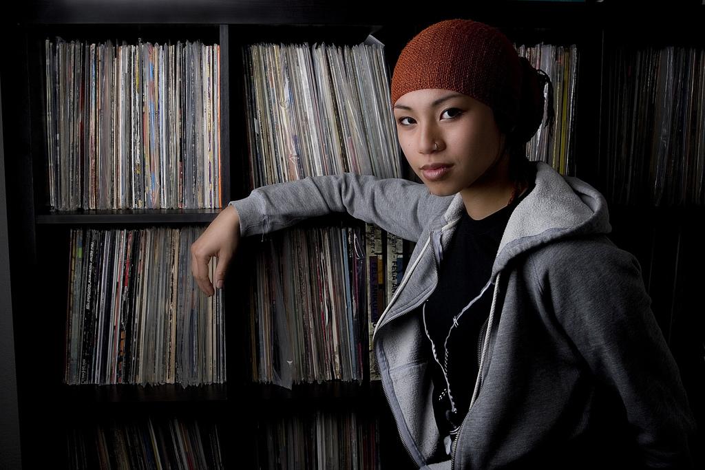 Women and Vinyl 03