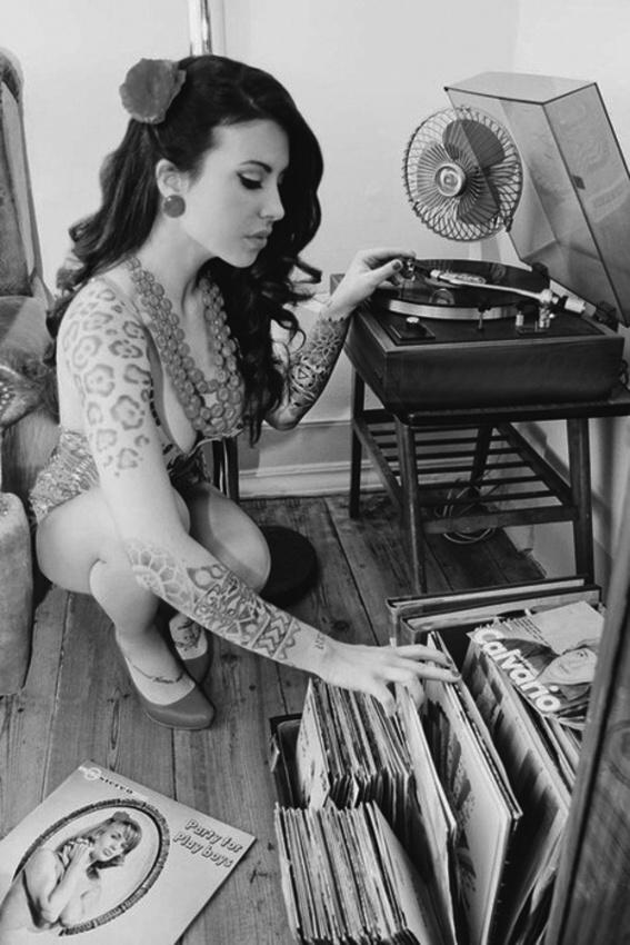 Women and Vinyl 13