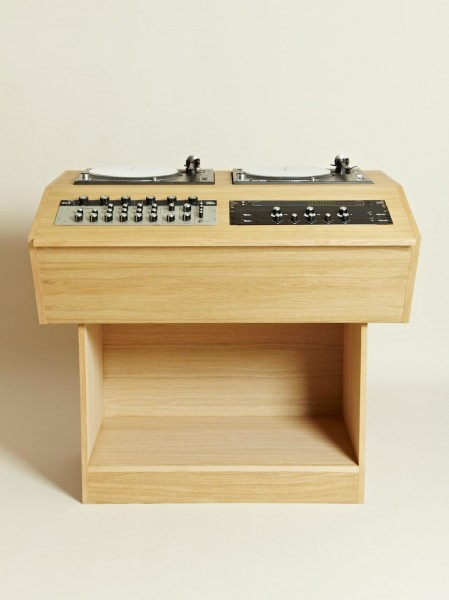 Two Deck Console 01